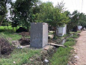 हेतामपूर, बाराबांकी जिल्ह्यातील अपूर्णावस्थेतील शौचालये. हे गाव हागणदारीमुक्त घोषित झाले आहे. श्रेय- कबिर अग्रवाल