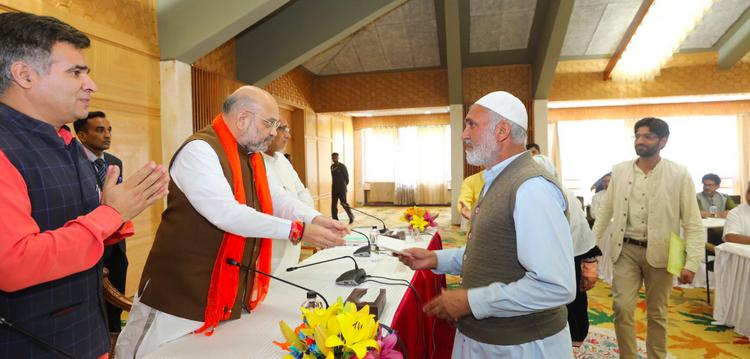 अमित शहा यांची काश्मीर भेट : संवादाची भाषा कुठे?