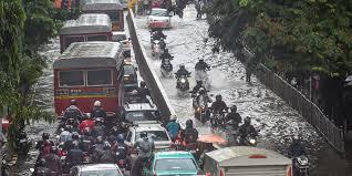 मुंबई : मरणाच्या दारात उभे असलेले शहर