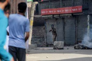 १५.श्रीनगरमधील सोअरा येथे चकमक.