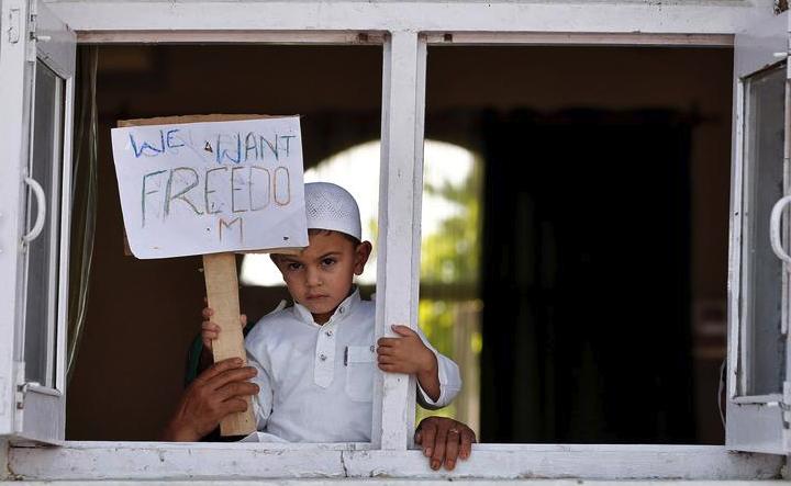 काश्मीर – अदृश्य होत चाललेल्या समस्या