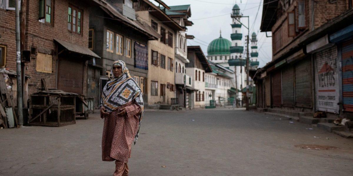 काश्मीरमधील निवडणुकांवर स्थगितीसाठी राष्ट्रपतींना पत्र