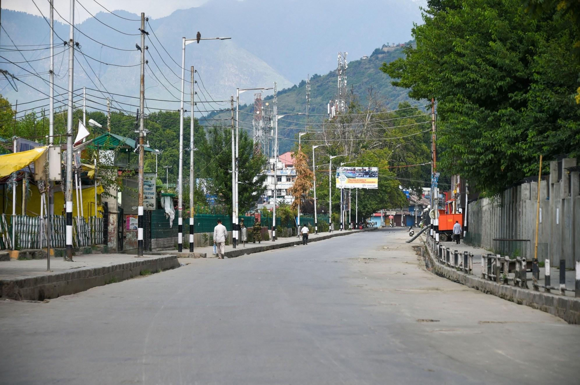काश्मीरमध्ये तीन महिन्यात १२५ योजनांना विक्रमी वन मंजुऱ्या