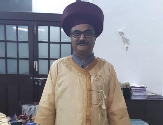 शिवकालीन अंगरखा, पैठणी व नाना शंकरशेट टोपी