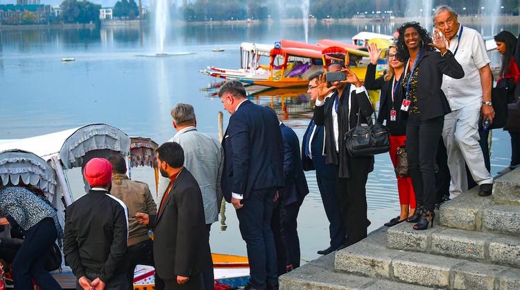 उजव्या विचारसरणीचे युरोपियन युनियनचे शिष्टमंडळ काश्मीरात