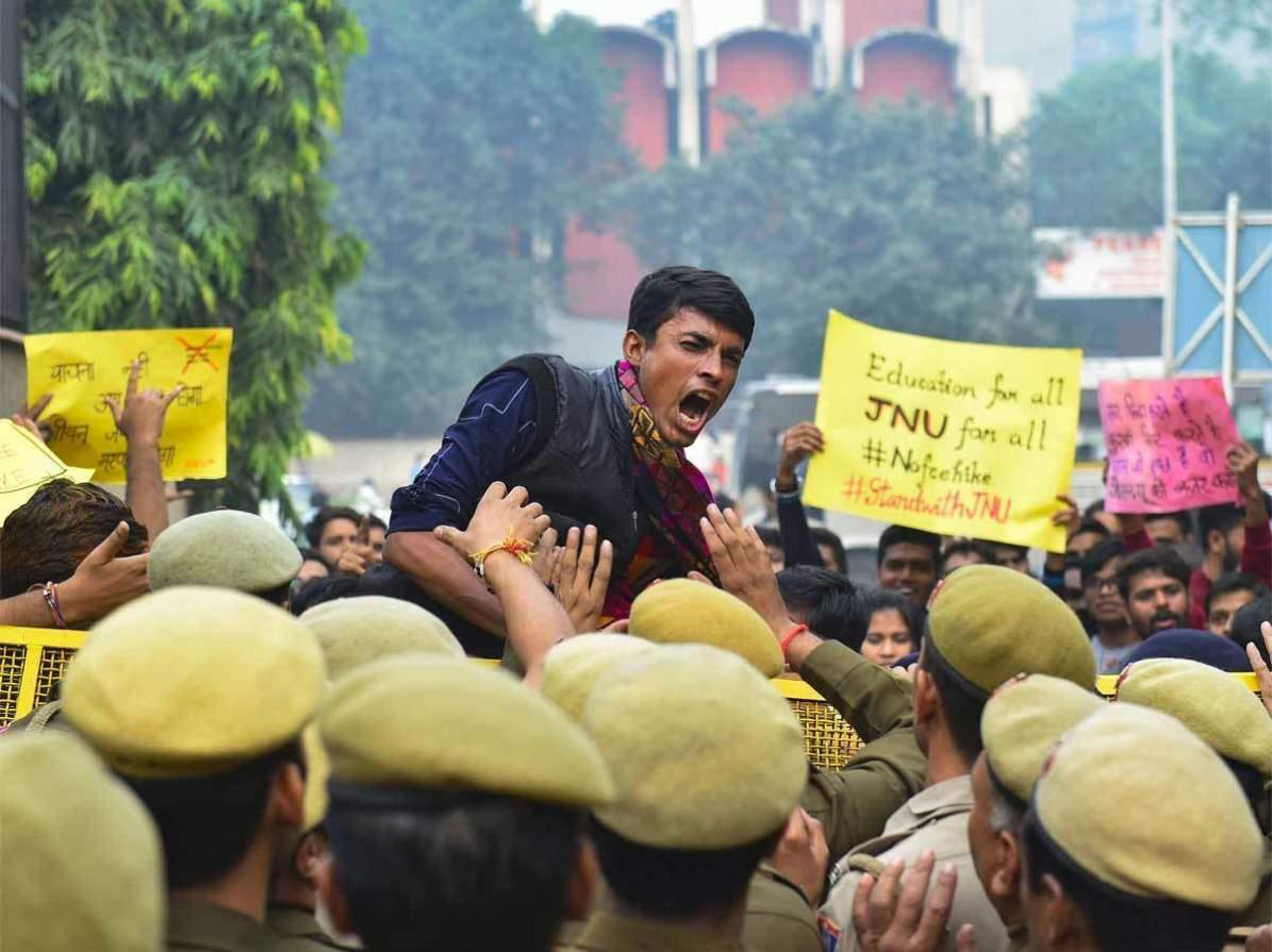 जेएनयू : पोलिस कारवाईवरून विरोधक आक्रमक