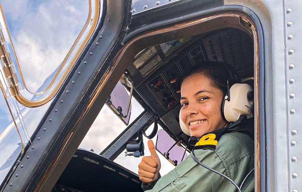 शिवांगी नौदलातील पहिल्या महिला पायलट