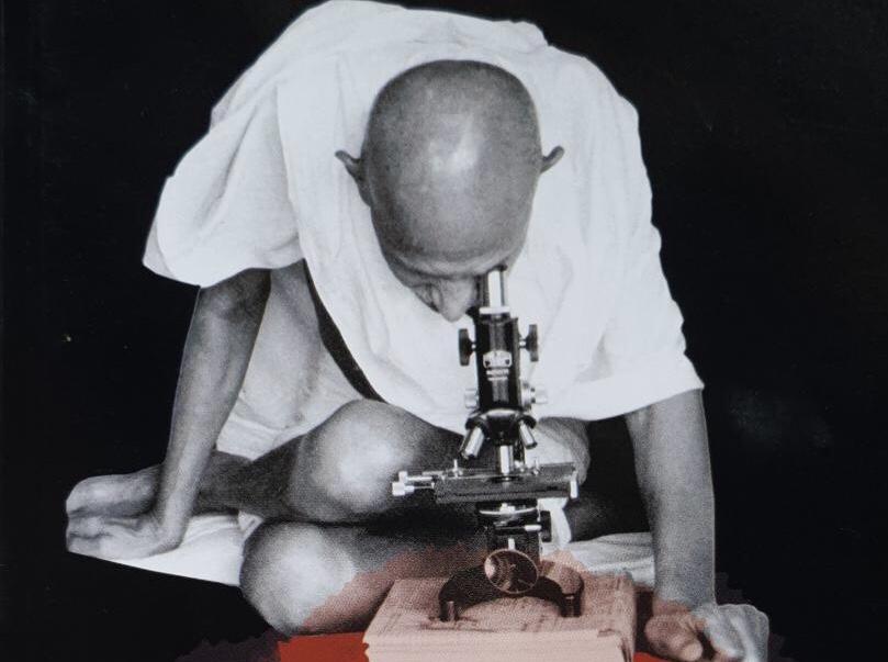 गांधी का मरत नाही : गांधींवरची कोळीष्टकं दूर करण्याचा प्रयत्न