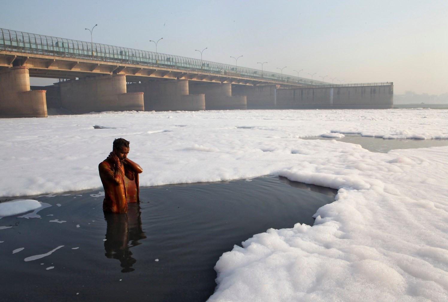 ट्रम्पना यमुना स्वच्छ दिसावी म्हणून गंगेचे पाणी सोडणार