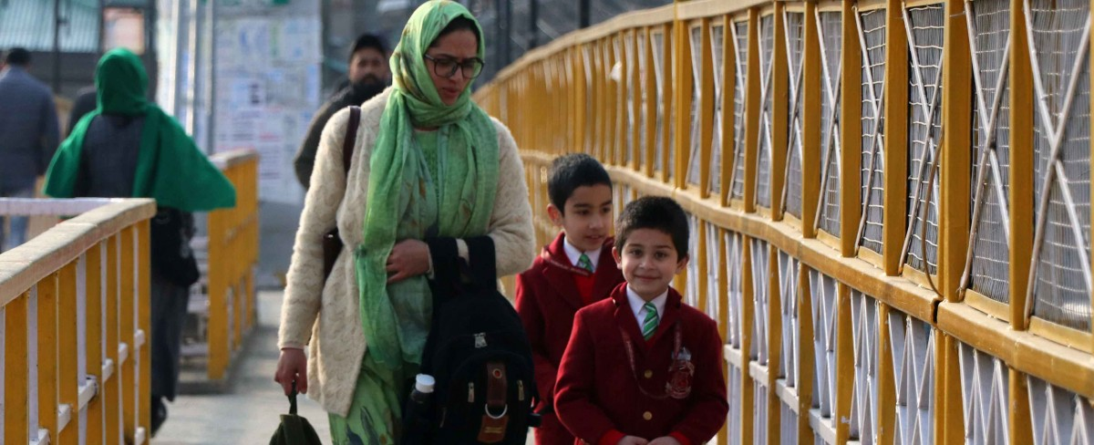 ७ महिन्यानंतर काश्मीरमध्ये शाळा सुरू…