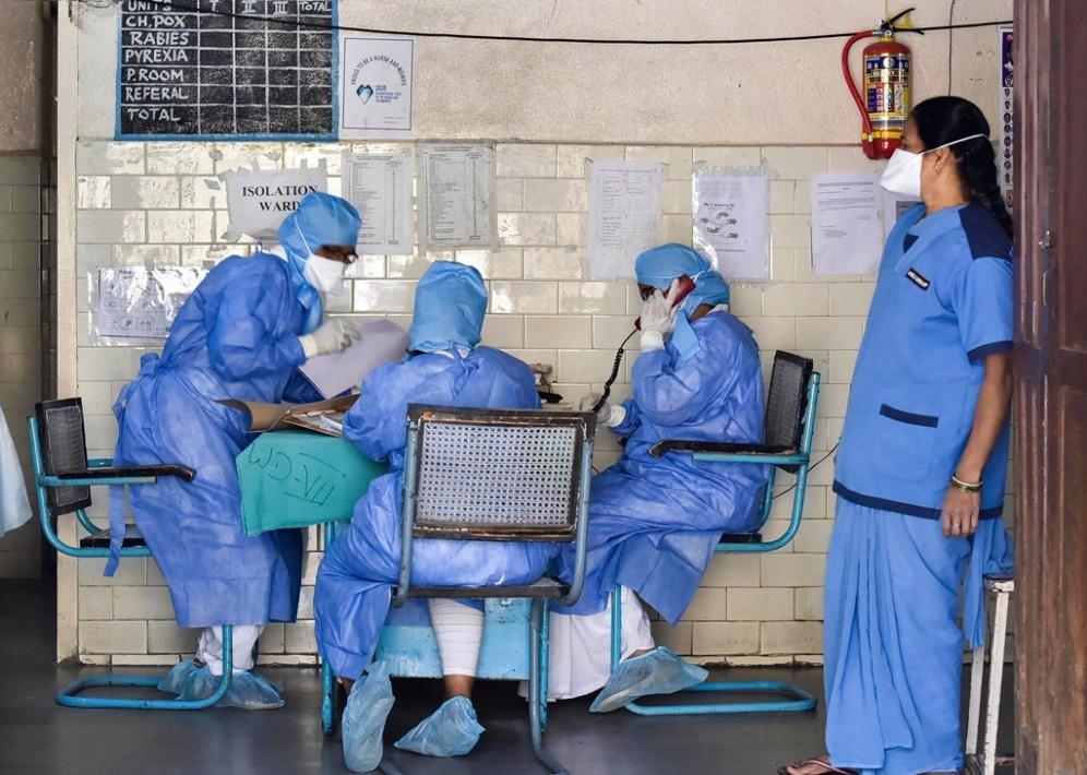 कोरोना – डॉक्टरांना घरे खाली करण्यास घरमालकांचा दबाव