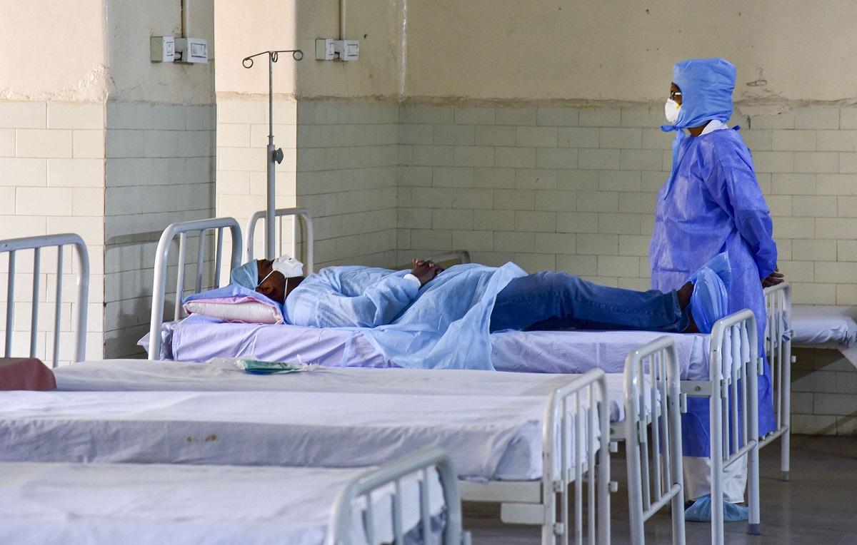 महाराष्ट्रात करोनाचे ११ रुग्ण, विदेशी नागरिकांना देशात बंदी