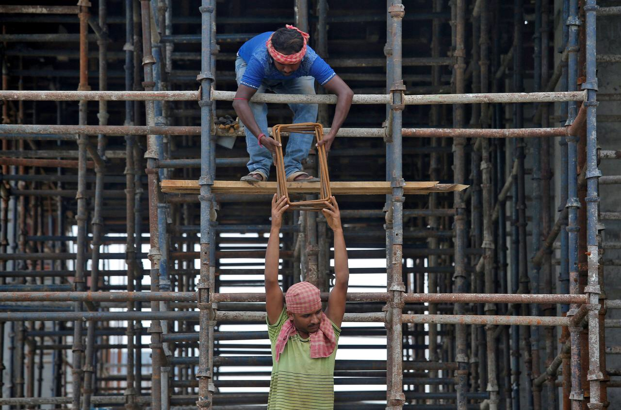 कामगार धोरणाची नितांत गरज