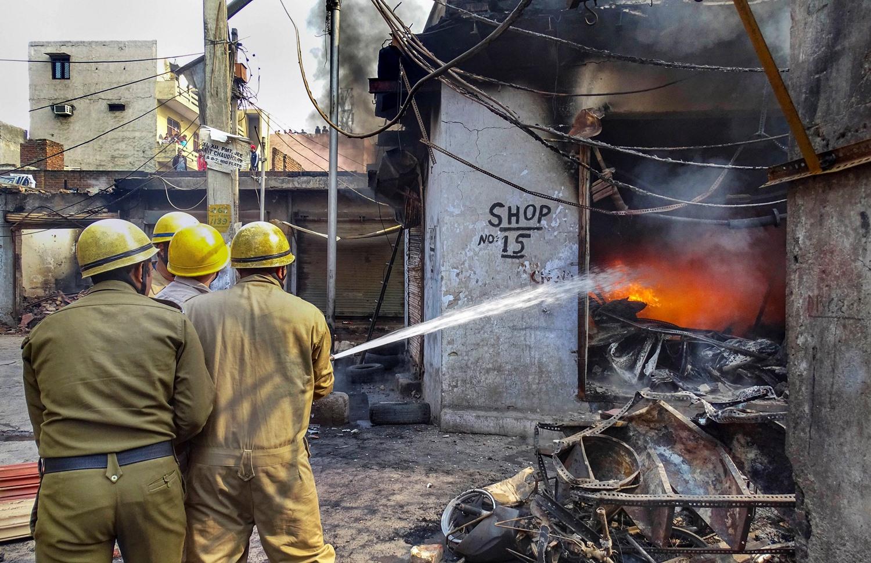 दिल्ली दंगलीत नेत्यांचा सहभाग नाही – पोलिस