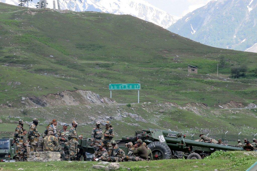 काश्मीरातील भूसंपादनाचा निर्णय लष्कराकडे