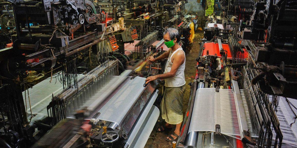 'कोविड-१९' संकटामुळे ४१ लाख तरुण बेरोजगार