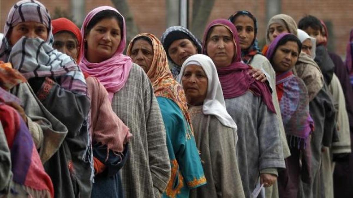 जम्मू-काश्मीरात १२ लाख नागरिकांना रहिवासी प्रमाणपत्र