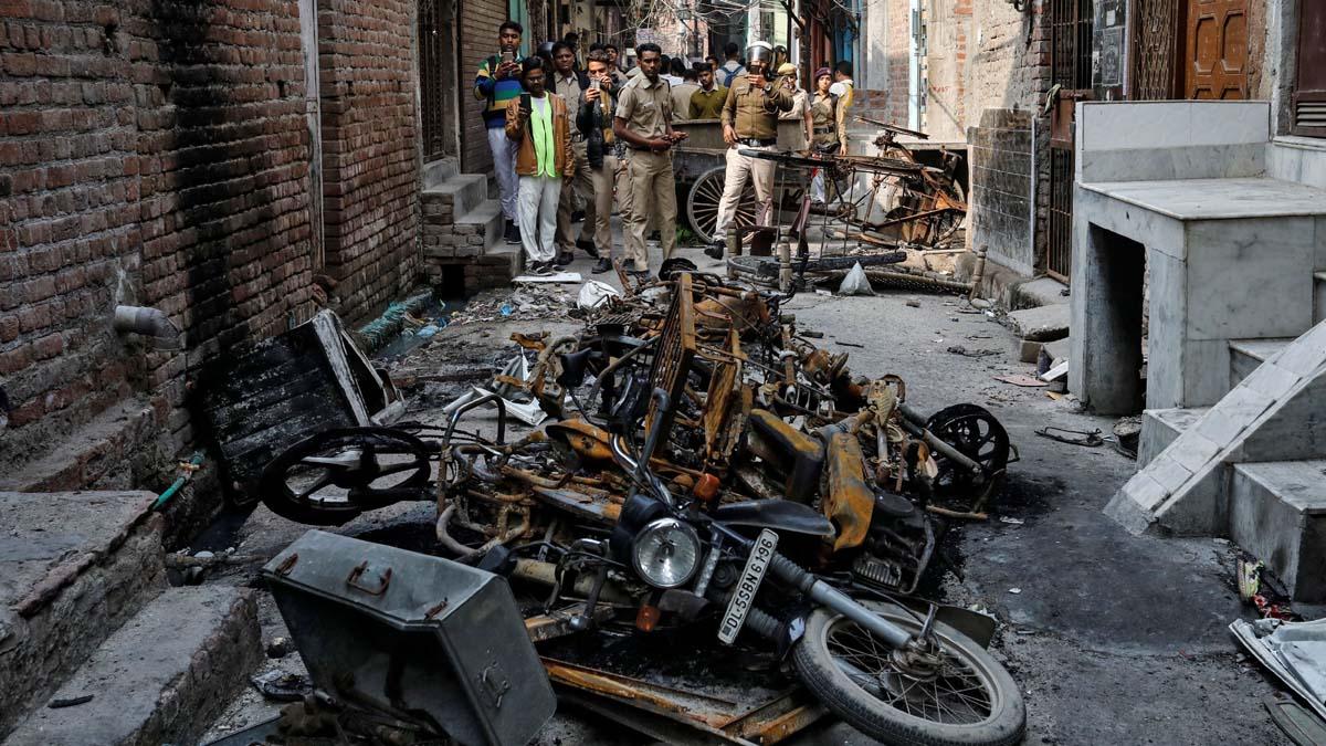 दिल्ली दंगलः १७,५०० पानांचे आरोपपत्र दाखल