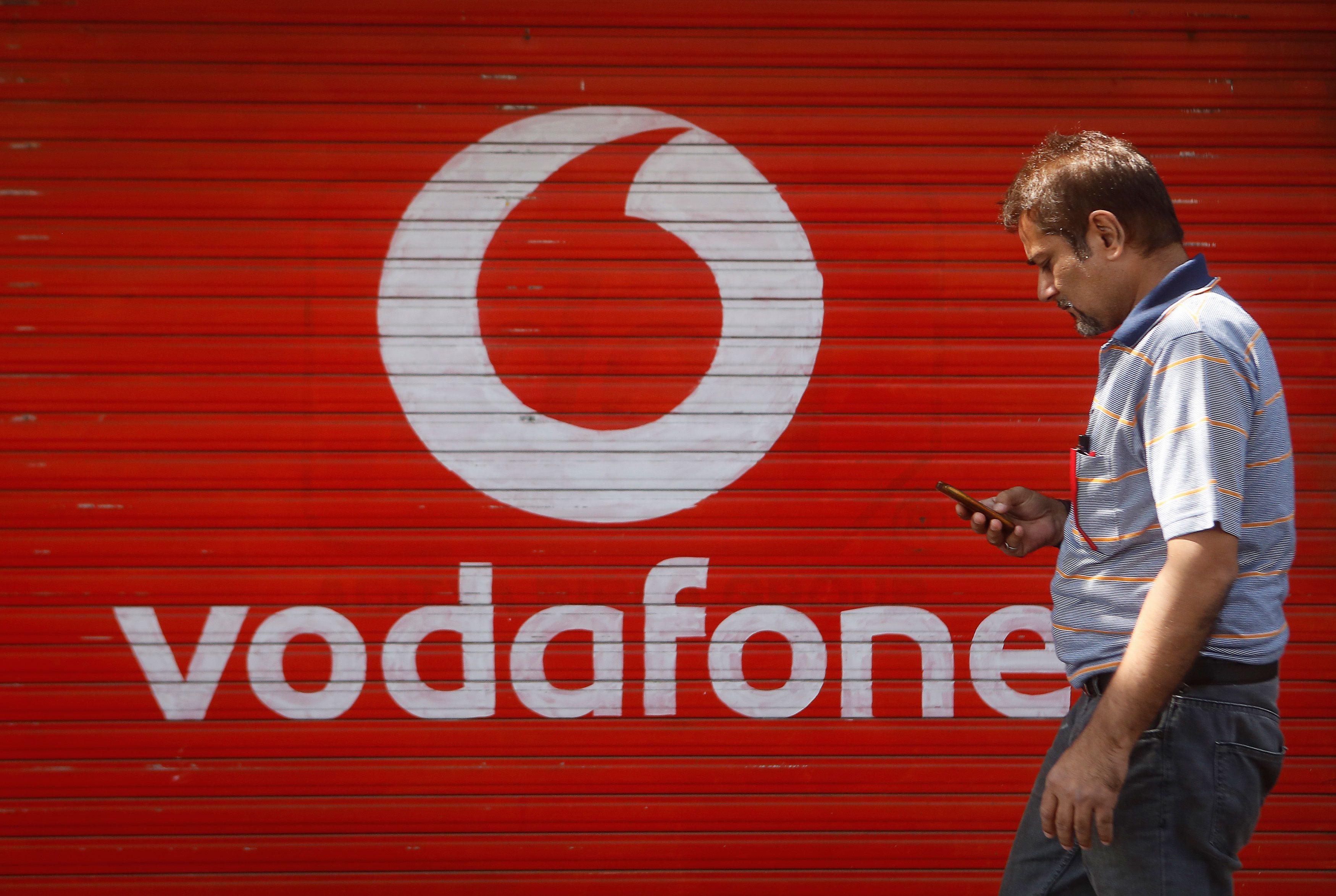 व्होडाफोन खटल्यात सरकारचे २० हजार कोटींचे नुकसान