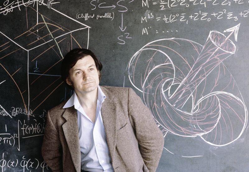 भौतिकशास्त्राला पडलेले कोडे सोडवणारा गणिती