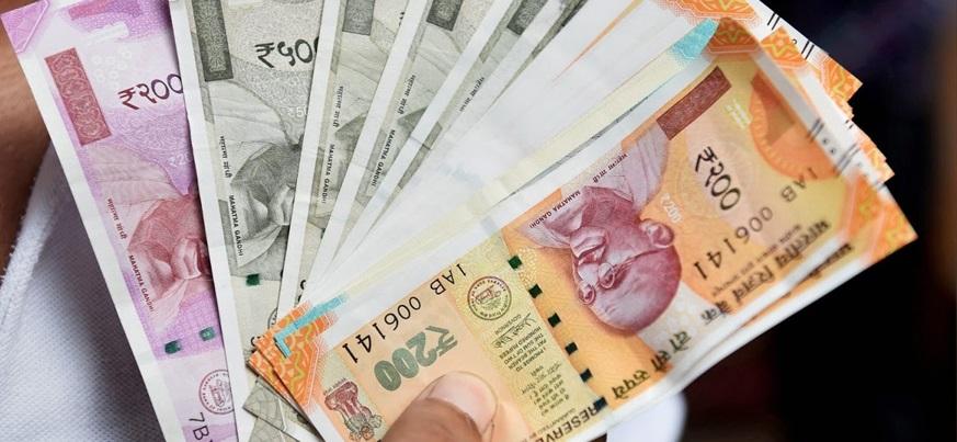 'देश आर्थिक मंदीत'
