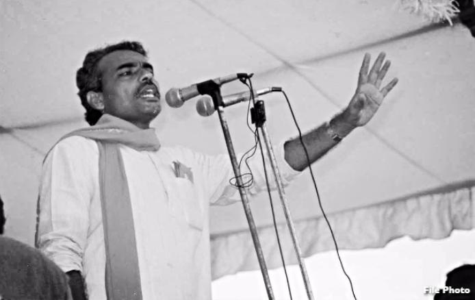 १९७४ सालचे 'आंदोलनजीवी' नरेंद्र मोदी