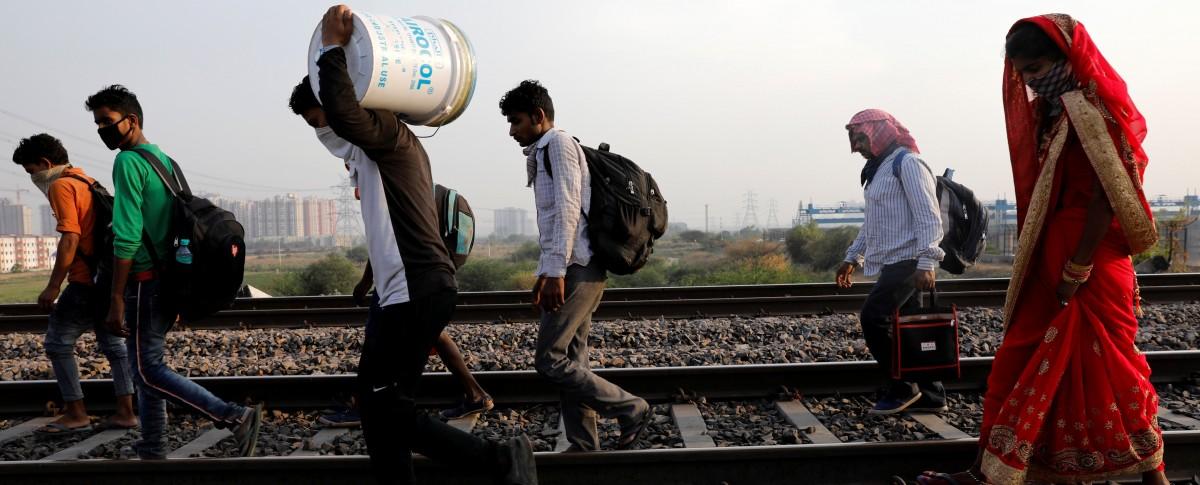 श्रमिकाचा १२०० किमीचा ७ महिन्यांचा पायी प्रवास