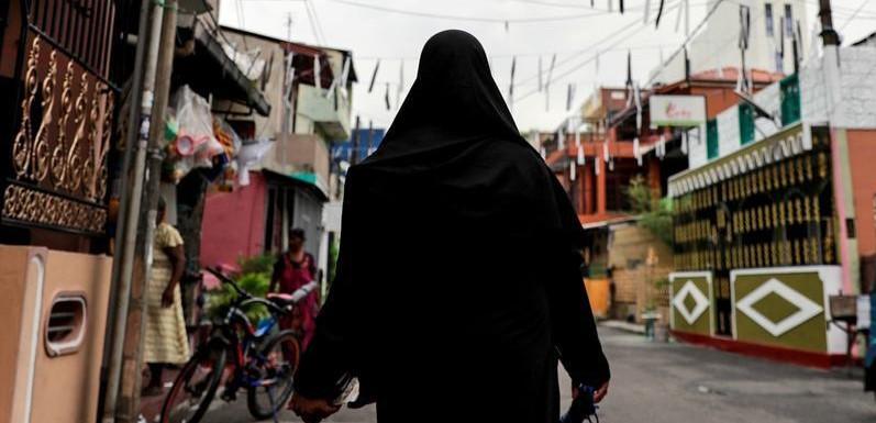 श्रीलंकेत बुरखा, हजार मदरश्यांवर बंदी