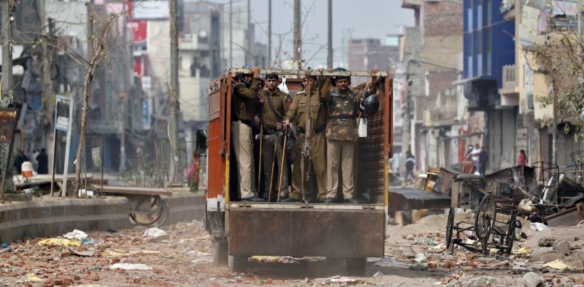 संवेदनाशून्य तपास; दिल्ली पोलिसांना २५ हजाराचा दंड