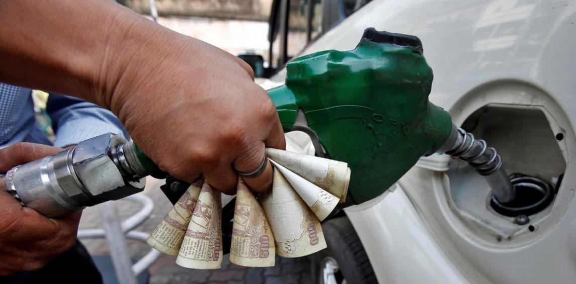 ७ वर्षांत पेट्रोलियम करातून १४ लाख कोटी