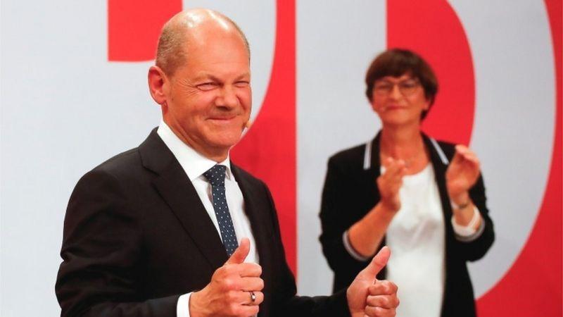 जर्मनीत घटक पक्षांचे सरकार, मर्केल यांना धक्का